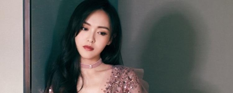 唐嫣身着玫瑰金礼服出席《嘉人中国风盛典》!